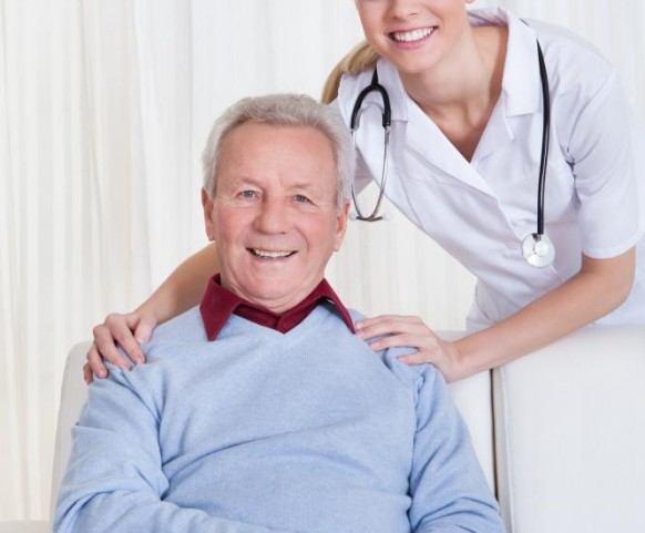 portrait-of-happy-doctor-and-patient