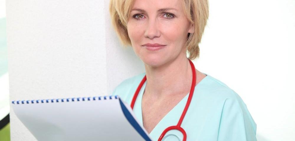 nurse-checking-calendar
